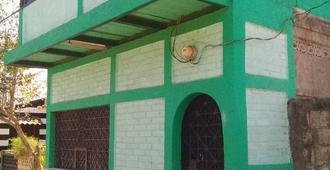 Casa El Rio - León - Edificio