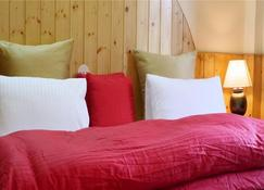 Amneu Forest Way Cottage - Manāli - Schlafzimmer