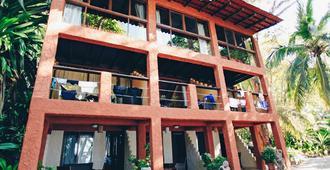Ylang Ylang Beach Resort - Montezuma