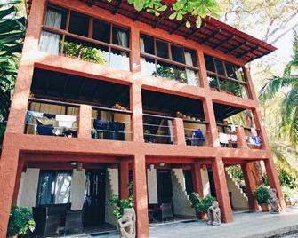 Ylang Ylang Beach Resort - Montezuma - Building