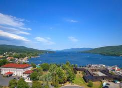 Fort William Henry Hotel and Conference Center - Lake George - Outdoor view