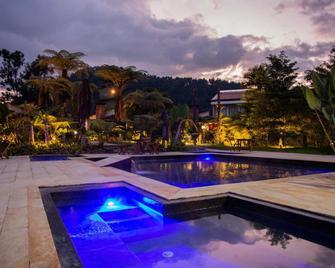 Termales del Otoño - Manizales - Pool