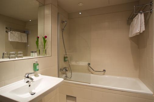 Jurys Inn Hotel Prague - Praha (Prague) - Phòng tắm