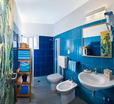Hotel Napoleon - Pesaro - Bathroom