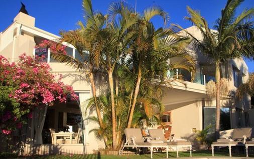Ocean Watch Guest House - Plettenberg Bay - Toà nhà