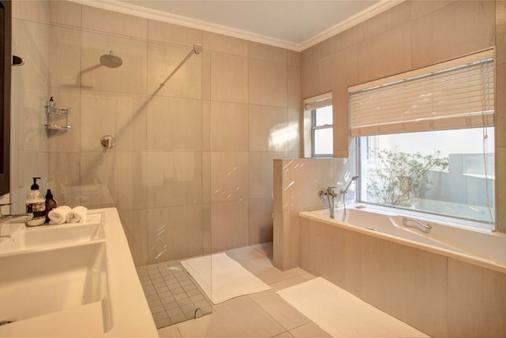 Ocean Watch Guest House - Plettenberg Bay - Phòng tắm