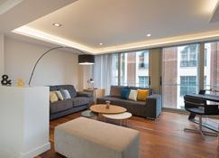 Smartrental Collection Gran Via Capital - Madrid - Living room