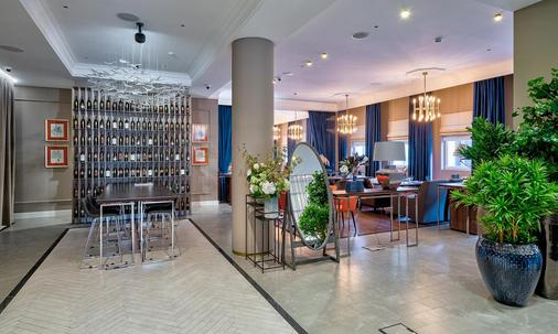 Chekhoff Hotel Moscow, Curio Collection by Hilton - Moscow - Buffet
