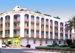 Grand Hotel Palace - Terracina - Building
