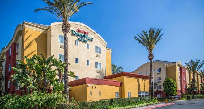 TownePlace Suites by Marriott Anaheim Maingate Near Angel Stadium - Anaheim - Toà nhà