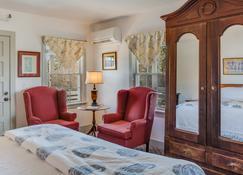 First Colony Inn - Nags Head - Bedroom