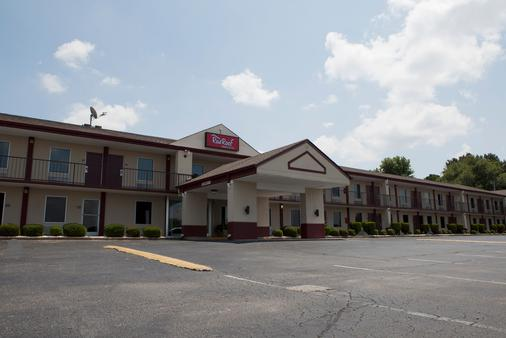 Red Roof Inn & Suites Jackson, TN - Jackson - Toà nhà