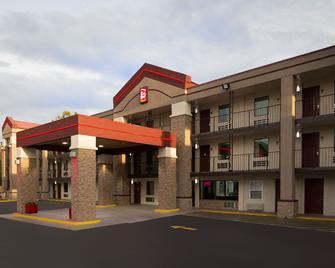 Red Roof Inn Plus+ Birmingham East - Irondale/Airport - Irondale - Edificio