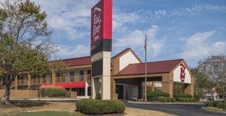 Red Roof Inn Tupelo - טופלו