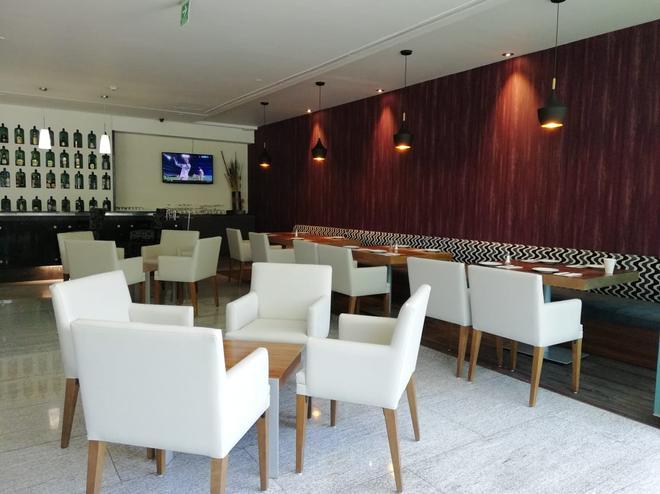 Casa Inn Business Hotel Celaya - Celaya - Bar