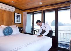 Aphrodite Cruises - Ha Long - Bedroom