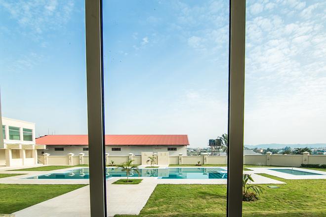 Fraser Suites Abuja - Abuja - Pool