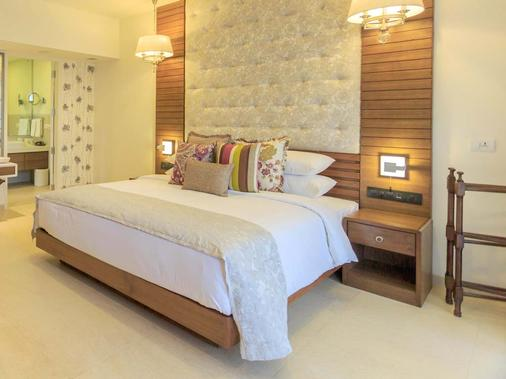 Acron Waterfront Resort- Member Itc Hotel Group - Baga - Bedroom