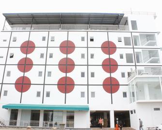 Sinar Sport Hotel - Bengkulu City - Building