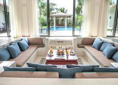Allezboo Beach Resort & Spa - Mũi Né - Living room
