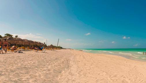 伊貝羅斯塔精選瓦拉迪羅飯店 - 式 - Varadero - 海灘