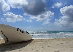 Playa Canek Beachfront Eco Hotel - Tulum - Beach