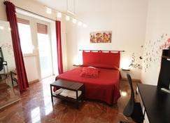 Michelangelo Apartment - Civitavecchia - Bedroom