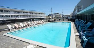 Marguerite Motel - Hampton Beach - Pool