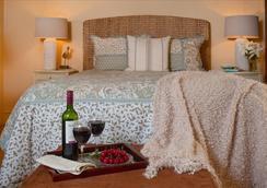 Ship's Knees Inn - Orleans - Bedroom