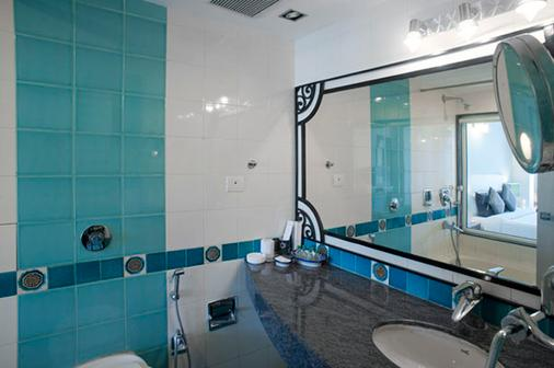 Ganga Kinare By Holywater Hotels - Rishīkesh - Bathroom