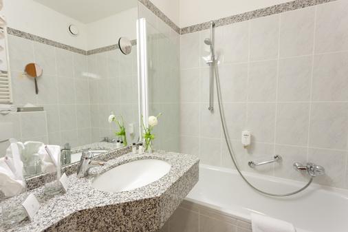 Hotel Königshof - Garmisch-Partenkirchen - Bathroom