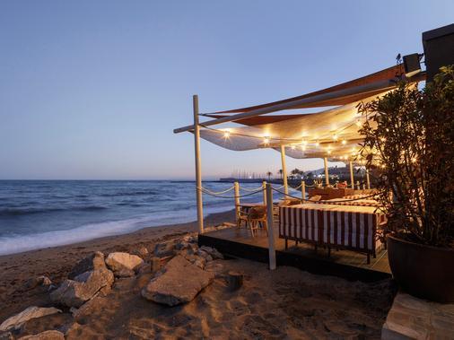 Hotel Fuerte Marbella - Marbella - Beach