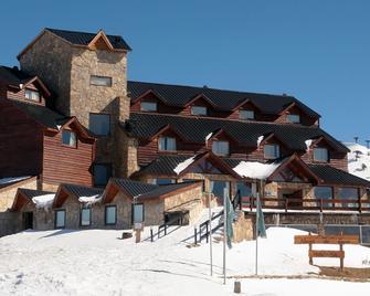 Hotel Spa - Nieves Del Cerro - Caviahue - Building