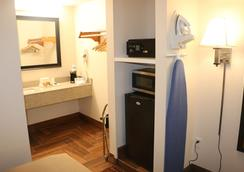 Pelican Inn - Gonzales - Bedroom