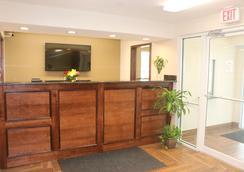 Pelican Inn - Gonzales - Lobby