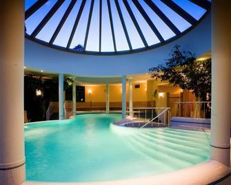 Wellnesshotel Allmer - Bad Gleichenberg - Bazén