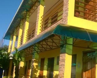 Moalboal Tropics - Moalboal - Gebäude