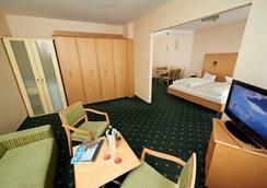 格魯內瓦爾德景觀酒店 - 柏林 - 臥室