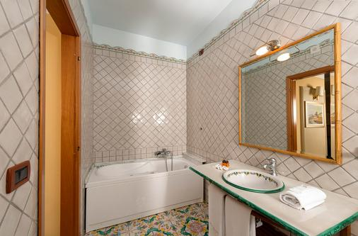 Hotel Leonessa - Volla - Bathroom