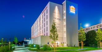 Star G Hotel Premium München Domagkstraße - מינכן