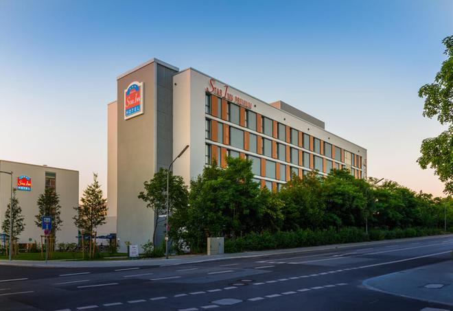 Star Inn Hotel Premium München Domagkstrasse, by Quality - Munich - Building
