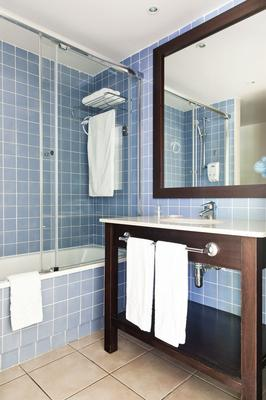 Portaventura Hotel Caribe - Theme Park Tickets Included - Salou - Bathroom