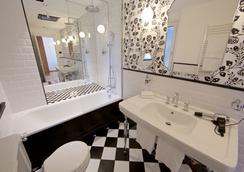 Hotel Duca D'Aosta - Aosta - Bathroom