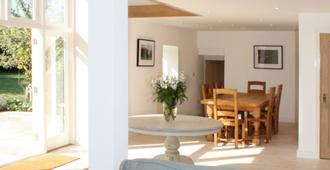 Mount Farm Bed & Breakfast - Holt - Living room