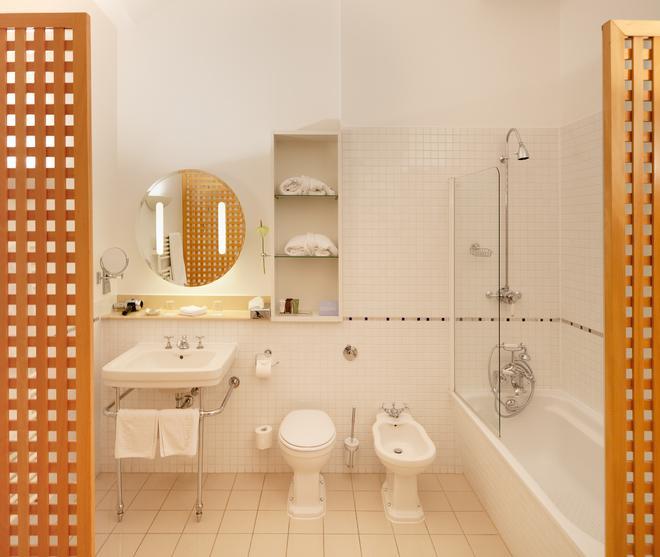 Hotel Das Triest - Vienna - Bathroom