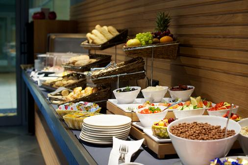 布達佩斯七季公寓酒店 - 布達佩斯 - 布達佩斯 - 自助餐