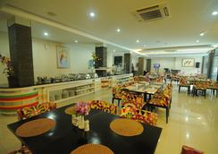 Swarna Dwipa Hotel - Palembang - Restaurant