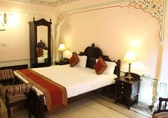 Welcomheritage Traditional Haveli - Jaipur - Bedroom