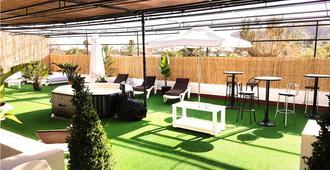 Hostal Ciudad Jardin Malaga - Adults Only - Málaga - Patio