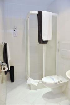 Hotel Atrium - Krakow - Bathroom